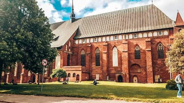 圣大教堂边缘-加里宁格勒